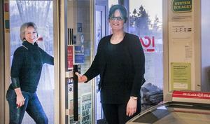 Gudrun Eriksson och ICA ut, Kicki Karlsson och Tempo in. Från och med maj drivs butiken i Stråtjära i ny regi.