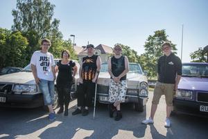 Motorklubben Hillbillys gör ett nytt försök efter att kommunen för några veckor sedan gav nobben till en ungdomsträff i Fagervik. På bilden syns Gabriel Sundholm, Marianne Svelander, Mikael Östman, Andreas Asp och Simon Westin.