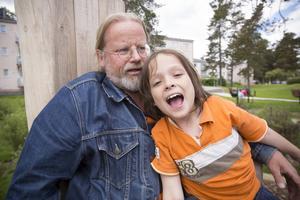 Trädgårdsingenjör Michael Bergman från Gavlegårdarna hade med sin son Jegor Bergman.