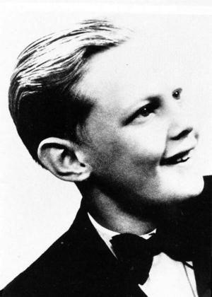 14-årig konfirmand. Redan då hade Lasse börjat sin brottsliga bana.