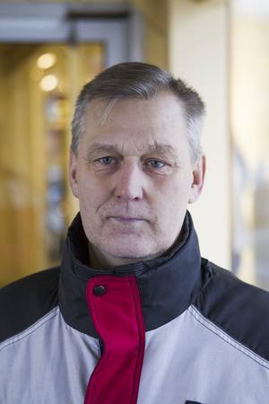 Åke Högvall 58 år, Hennan– Arbetsförmedlingen. Det har skett en miss mellan regeringen och arbetsförmedlingen, det är inte riktigt genomtänkt.