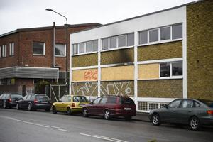 Byggnaden rökskadades vid attentatet men ingen människa kom till skada.