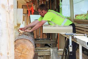 HansOlov Lönn tilldelas Skogsstyrelsens stöd till företagare som vill utveckla sin verksamhet. Nu ska han driva en byggvaruhandel.
