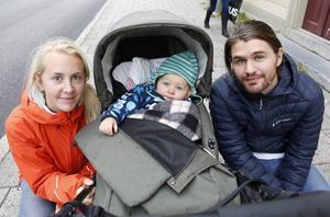 Ida Nilsén, Hannes Wiktorsson och Viktor Wiktorsson tog en tur på stan.