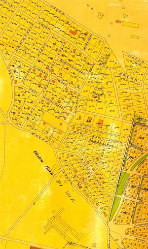 Namnet. På denna stadskarta över Örebro från år 1929 finner man namnet Markbacken mitt i nuvarande Gamla Hjärsta. Nederst på kartan ses byggnader för Marks tegelbruk och strax norr om det återfinns byggnader för Västra Mark nr 1 samt öster om den s k Länsmansgården.