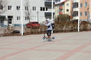 Hugo Fastén tycker möjligheterna att åka bmx, spark och skateboard i Ljusdal är begränsade och vill ha en betongpark.
