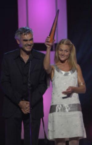 Karin af Klintberg och Kristofer Lundström fick en Kristall för bästa Magasin, programmet Kobra.