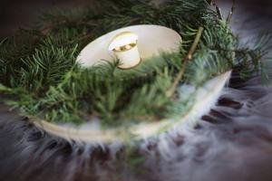 Efterrättens utformning ska föra tankarna till en dimmig morgon i skogarna runt restaurangen Black Swan.   Foto: Reine Hefvelin