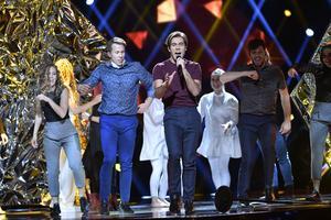 Benjamin Ingrosso med sitt bidrag Good Lovi'n gick direkt vidare till finalen vid Melodifestivalens andra deltävling i Malmö arena.