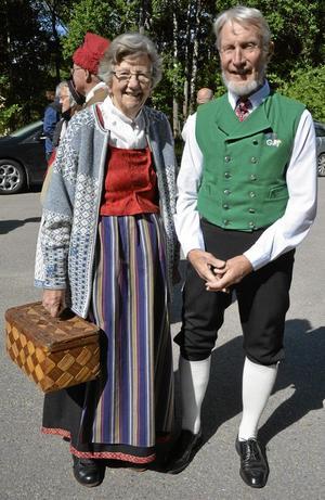 Dans Veteraner. Margareta Olsson och Willy Andersson har varit med i folkdanslaget ända sedan starten för 50 år sedan.