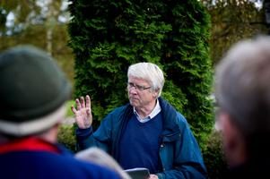 Per Petterson gav information om den utbyggnaden av kyrkogården som ska göras nästa år i samarbete med landskapsarkitekten Marika Olsson.