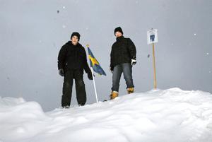 """Andreas Kemperyd och Pål Ahlmark kom först fram till """"Sydpolen"""" och fick sätta flaggan på toppen."""