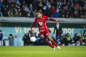 Alex Dyer här vid ÖFK:s fantastiska 3–0-match borta mot svenska mästarna Malmö FF på Swedbank Arena i Malmö. Nu lämnar han klubben för allsvenska konkurrenten Elfsborg.