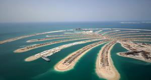 Specialbyggda Jumeirah Palm Island är en av Dubais stoltheter.