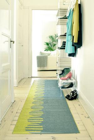 Pasteller och grafiska mönster var vanligt på 1950-talet. Matta designad av Lina Johansson.