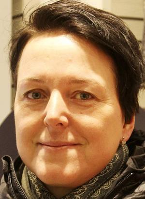 Camilla Leoson, Frösön:– Nej, det har jag aldrig tänkt på. Jag förutsätter att de är lika bra att ringa med men jag skulle uppskatta en märkning.