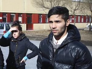 Rahim Hosseini är styvson till Ghader Ghalamere.