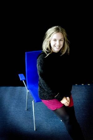 Blå scenen. Maja Agnevik är projektledare för stans nya lånescen på Musikbibklioteket i Gävle.