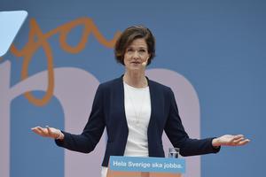 Moderaternas partiledare Anna Kinberg Batra (M) håller tal under Moderaternas dag i Almedalen.