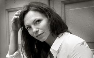 """Sofia Ledarp fick slita hårt under inspelningen av thrillern """"Försvunnen"""". Bland annat fick hon springa barfota i skogen, jagad av filmens galne kidnappare."""