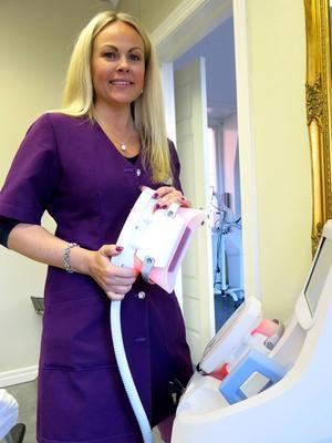 Sussi Qvick har kompletterat sitt företag med en maskin som fryser bort fettceller. Men det är ingen bantningsmetod, säger hon.