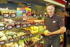 Patrik Carlsson, handlare på ICA Nära i Morgongåva.