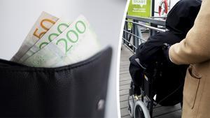 En handikappad man blev lurade av sina personliga assistenter på totalt omkring 1,5  miljoner kronor.