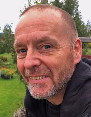 Jim Thydén hoppas att alla grannar i Lerdal och hela Rättvik ska ta kål på varenda mördarsnigel de ser.