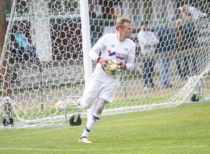 Emil Johansson visade återigen att han är en av de bästa målvakterna i trean, särskilt under trycket i första halvlek. När målen kom var Rengsjös keeper övergiven.