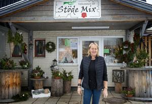 Efter ett och ett halvt år som trädgårds- och vaktmästare i Stöde kyrka är Ingela Andersson tillbaka med Stöde-Mix i Stöde.