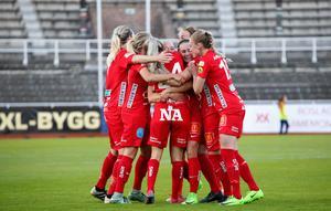 Kif Örebro är ett av lagen som hårdbevakas i Mittmedias nya satsning på Elitettan i fotboll. Totalt direktsänds hela 60 matcher från serien som startar 14-15 april. I premiäromgången livesänds KIF Örebro-Sundsvalls DFF, AIK-Umeå IK, Ljusdals IF-Lidköping FK och Kvarnsveden IK-Assi IF.Foto: Christine Olsson/TT