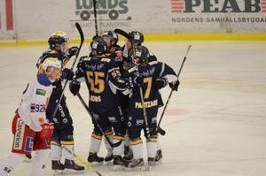 Borlänge Hockey träningsspelar mot Lettland på tisdagskvällen.