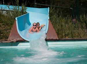 Den 24 och 31 juli kan alla barn mellan 6 och 15 år åka gratis vattenrutschbana på Nickstabadet.