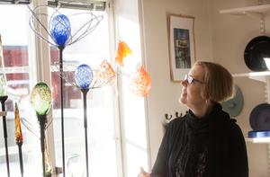 Kul med kulor, för Lena Högberg Wallmark har glaset en symbolisk betydelse - alla kan få en andra chans.