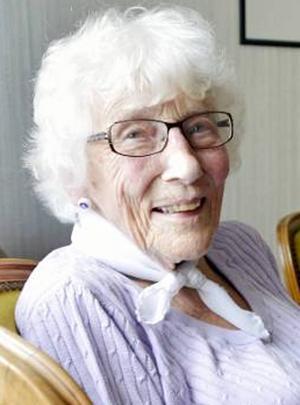 Karin Hasselgren 90 år ställer upp på Vänsterpartiets lista till kommunfullmäktige.