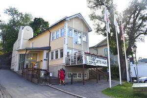 Dockteatern Maja och Bobbo ges i Folkets hus.
