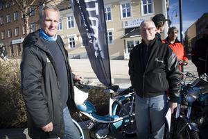 Tomas Noterius och Pererik Linde arrangerar den stora veteranmopedträffen i Badhusparken första juni. De hoppas och tror på deltagarrekord.