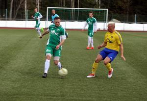 Pierre Jäderberg hade mycket att stå i under matchen då Östavall satte hård press på Lillhärdal.