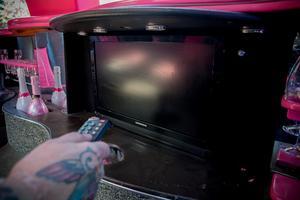 Lackes limousine erbjuder  bar, grym musikanläggning och tv-skärmar.