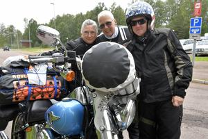 Tre långväga resenärer som vet att de krävs att köra H-D för att räknas. Fr.v: Marie Benntoft, Simrishamn, Ingela Linder, Anderslöv och Carola Palmqvist, Anderslöv.
