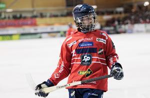 Joakim Svensk är trygg med den backlinje som kommer till spel mot Västerås – där han framförallt lyfter fram lagspelaren Mattias Larsson.