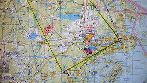 Slingan, som flygrutten kallas, där den har sin sträckning genom Norrtälje kommun.
