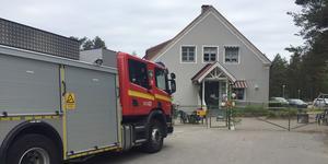 Larmet gick vid klockan 9.20 och personal och barn lämnade alltså byggnaden på Herrögatan.