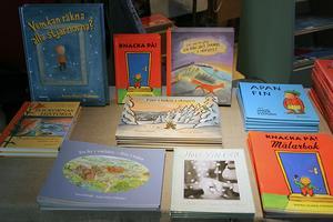 Anna-Clara Tidholm har givit ut ett 70-tal böcker ensam och tillsammans med andra. Här är några av dem.