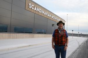 Från första tanken till flygplatsen stod  klar tog det 15 år av arbete för Jonas Persson.
