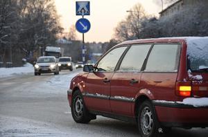 Man undviker en del olyckor om man lär folk att köra bil i stället, och framför allt att använda blinkers, och gör det i god tid, skriver signaturen L.H.