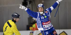 David Karlsson jublar efter 1–1-målet. FOTO: Thomas Johansson/TT