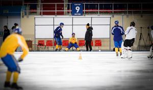 Christoffer Edlund under Sveriges första träningspass i Erofey Arena.