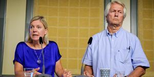 I augusti 2018 presenterade finansminister Magdalena Andersson den nytillsatta Jämlikhetskommissionen, med Per Molander som ordförande. Bild: Janerik Henriksson/TT