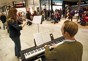 Punktkonsert 2007. Malin Trast flöjtist och Staffan Sandström pianist.